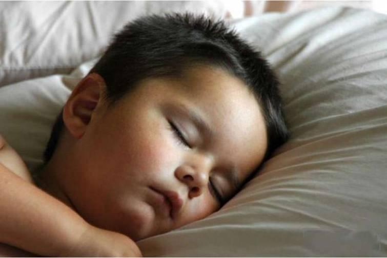 Alimlər müəyyən etmişlər ki, yuxunun kifayət qədər olmaması insanların ömrünə təsir edir. Normadan az yatanlar daha çoxdur.